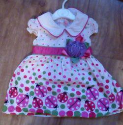 Φόρεμα για ένα κορίτσι ηλικίας 1-1,5 ετών
