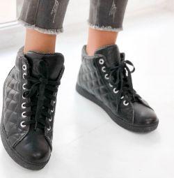 Chanel μπότες δέρματος νέα