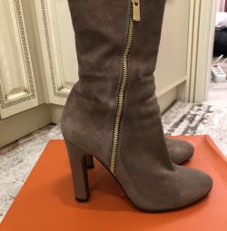 Waggon Suede Boots
