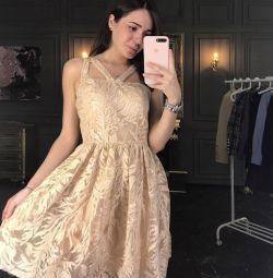 Βραδινό φόρεμα με πούλιες