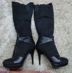 Peste cizmele genunchiului