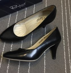 Siyah ayakkabı saygı 36 boyutu