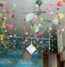 Украшение для праздника. Подвеска с шарами