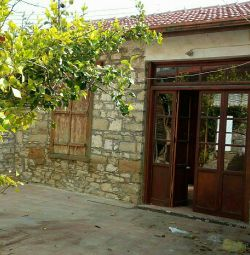 TRADITIONAL STONE BUILDING FOR SALE IN LEFKARA