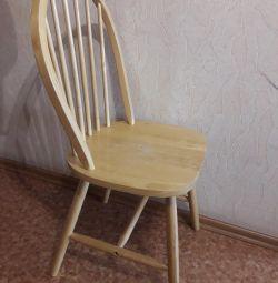 Θα πουλήσω μια καρέκλα (φυσικό ξύλο).
