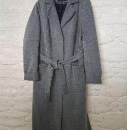 I will sell a coat female demi-season