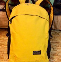 Рюкзак жeлтый