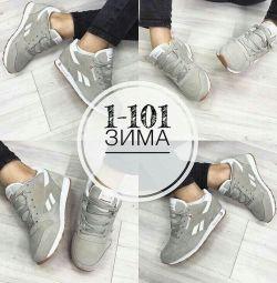Нові жіночі кросівки 36 рр