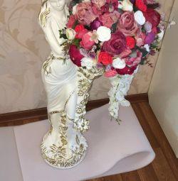 Çiçekli iç heykelcik