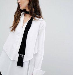 Velvet thin scarf with tassels