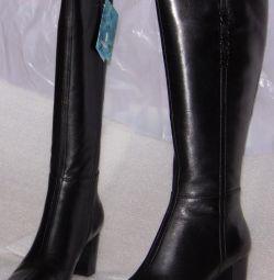 37 cizme din piele neagră Cavaletto