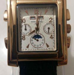 O copie exactă a ceasurilor PATEK FHILIPPE.