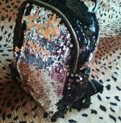 рюкзак модний