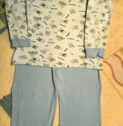 Pijamale (timp de 6-8 ani)