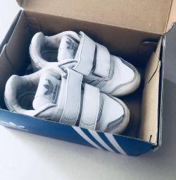 Spor ayakkabı adidas 23