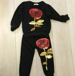 Костюм з трояндою новий