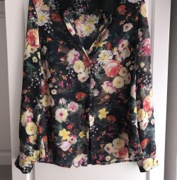 Блузка новая шeлк Mango