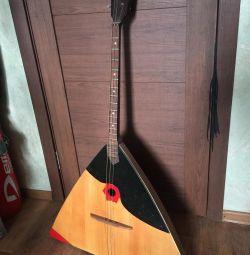 Balalaika- bass