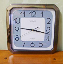 Часы настенные Scarlett.