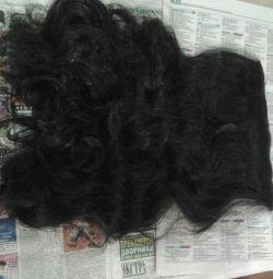 Τα μαλλιά είναι καλής ποιότητας μήκους 55εκ