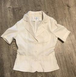 Пиджак белый с коротким рукавом