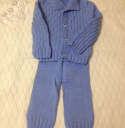 Πλεκτό κοστούμι για παιδιά
