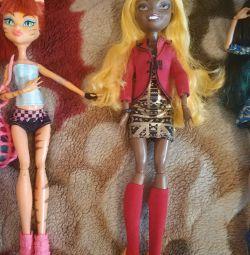 Dolls monster high. Torah sport and Claudia