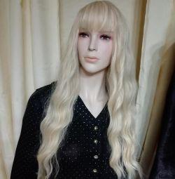 Wig, blonde, wavy hair ???