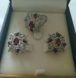 Silver set: earrings and ring