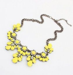 A new yellow and blue necklace !!!