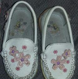 Μοκασίνια και αθλητικά παπούτσια 21 rr