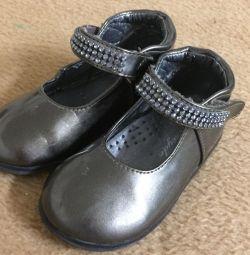 Pantofi cu pietre