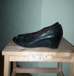 Pantofi, Chester