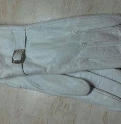 Mănuși din piele