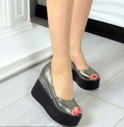 Туфли с открытым носом