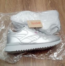 Sneakers Reebok 35