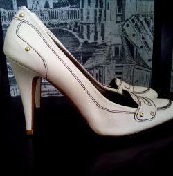 Pantofi noi Zara