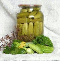 Pickled cucumbers 1.5 l