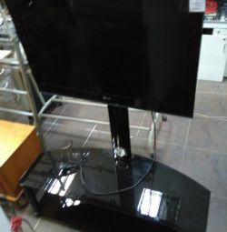 Televizorul LG 32LK455 cu suport din sticlă