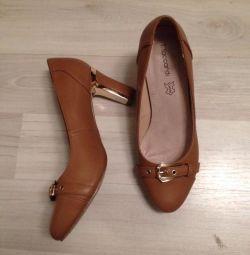 Παπούτσια δωρεάν
