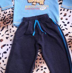 Κοστούμι για ένα αγόρι για 3-4 χρόνια