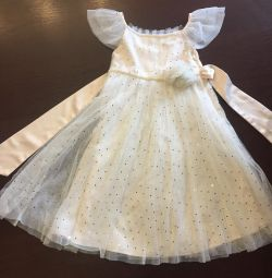 A gentle branded dress for a 3-4 year baby