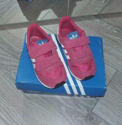 Кросівки Адідас