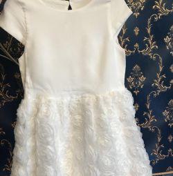 Rochie albă frumoasă