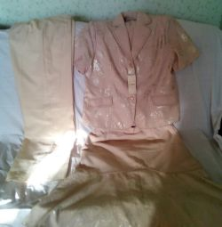Female suit Three of 54-56 r New Urgent