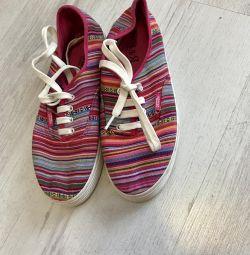 Kayma ayakkabılar