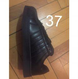 Adidas superstar black 37