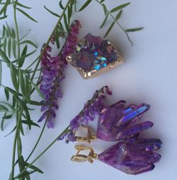 Earrings with crystals of quartz violet