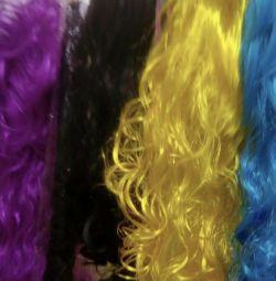 Patlama ile peruk, dalgalı, farklı renkler.