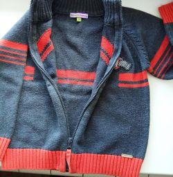 Jacket cald pentru un băiat timp de 4-5 ani